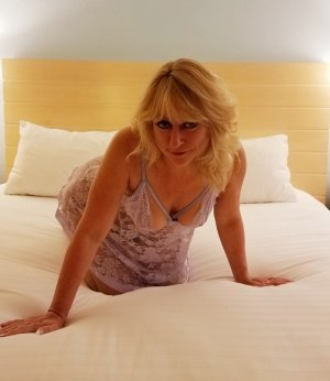 Rinesa nuru massage in Bel Air North