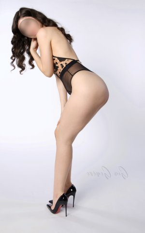 Sadjia erotic massage in Socorro